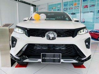 Bán Toyota Fortuner năm sản xuất 2021, màu trắng