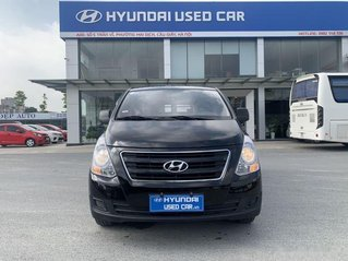 Bán xe Hyundai Grand Starex SX 2016, màu đen, nhập khẩu Hàn Quốc, máy dầu số sàn