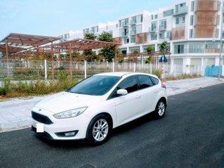 Bán xe Ford Focus 2017, màu trắng số tự động