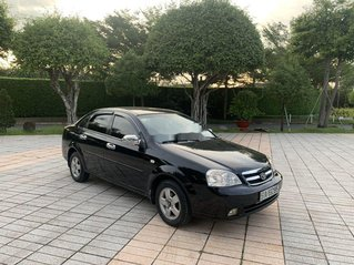 Gia đình bán Daewoo Lacetti sản xuất 2009, màu đen