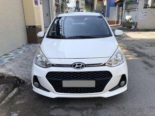 Bán Hyundai Grand i10 sản xuất 2017, màu trắng số sàn