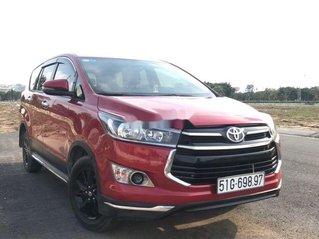 Cần bán lại xe Toyota Innova sản xuất 2018, màu đỏ xe gia đình