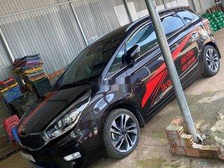 Cần bán Kia Rondo đời 2018, màu đen, xe gia đình