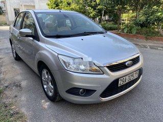 Bán Ford Focus đời 2011, màu bạc chính chủ