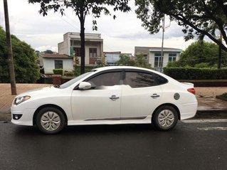 Cần bán xe Hyundai Avante đời 2011, màu trắng, xe nhập