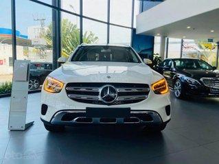 Cần bán xe Mercedes Benz GLC 200 4Matic đời 2020, màu trắng