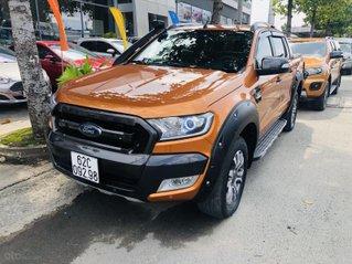 Cần bán xe Ford Ranger năm 2015, màu vàng cam, mới 95%. Giá chỉ 685 triệu đồng