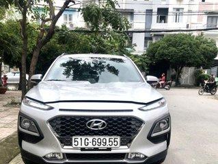 Cần bán gấp Hyundai Kona 2.0ATH đời 2018, màu bạc như mới