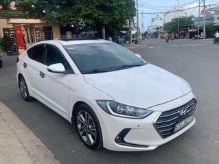 Bán ô tô Hyundai Elantra năm sản xuất 2017, xe còn mới, bao test hãng