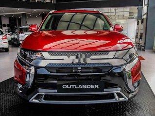 Bán xe Mitsubishi Outlander CVT năm sản xuất 2020, xe giá thấp, còn mới