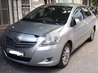 Cần bán xe Toyota Vios đời 2011, màu bạc số sàn, giá tốt