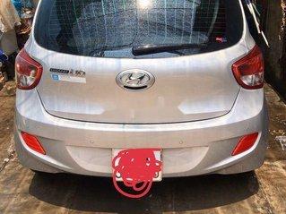 Cần bán gấp Hyundai Grand i10 2016, màu bạc, số sàn, giá 280tr