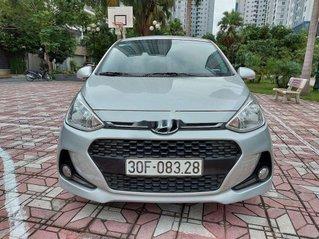 Cần bán xe Hyundai Grand i10 2018, màu bạc