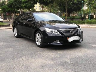 Bán lại xe Toyota Camry đời 2014, màu đen