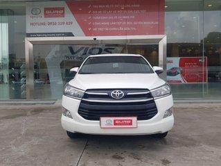 Cần bán xe Toyota Innova 2.0E 2018, màu trắng xe đi 73.500km - xe chất giá tốt