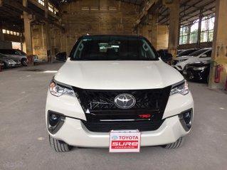 Cần banToyota Fortuner 2.4G MT 2018, màu đen gia đình, đi 63.000 - xe cũ chính hãng Toyota Sure