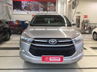 Cần bán xe Toyota Innova 2.0G AT 2018, màu bạc gia đình đi 28.000km - xe cũ chính hãng Toyota Sure