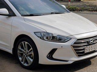 Cần bán gấp Hyundai Elantra sản xuất 2017 còn mới, giá 565tr