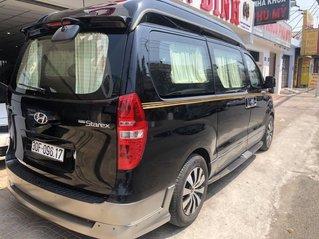 Cần bán Hyundai Starex đời 2014, màu đen, xe nhập