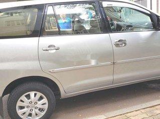 Cần bán gấp Toyota Innova năm sản xuất 2010, nhập khẩu còn mới, 300 triệu
