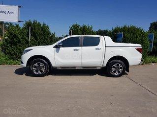 Cần bán xe Mazda BT50 AT 2.2 đời 2016, màu trắng