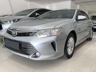 Bán xe Toyota Camry 2.0E 2016, biển Sài gòn