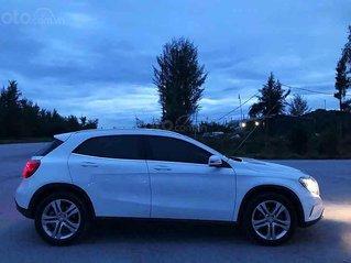 Cần bán gấp Mercedes GLA200 năm 2014, màu trắng, xe nhập xe gia đình giá cạnh tranh