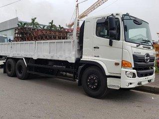 Xe tải Hino 15 tấn thùng lửng
