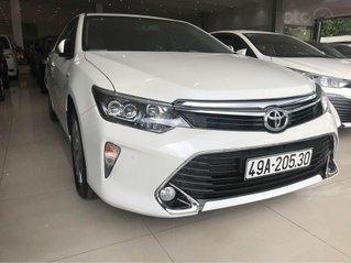 Bán xe Camry 2.5 Q sản xuất 2018, màu trắng