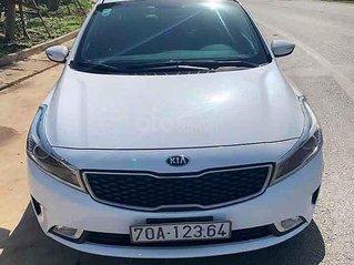 Bán Kia Cerato sản xuất năm 2018, màu trắng còn mới, giá 426tr