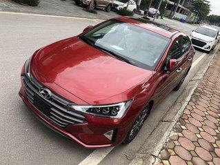 Bán ô tô Hyundai Elantra sản xuất năm 2020, màu đỏ
