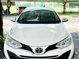 Cần bán gấp Toyota Vios đời 2019, màu trắng chính chủ
