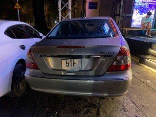 Cần bán xe Mercedes E200K 2007, màu xám xe gia đình, giá 355tr