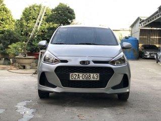 Cần bán Hyundai Grand i10 đời 2018, màu bạc, 275 triệu