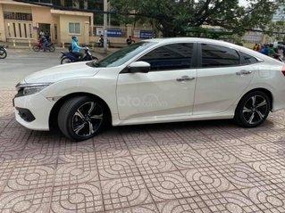 Cần bán Honda Civic 1.5 sản xuất 2017 màu trắng
