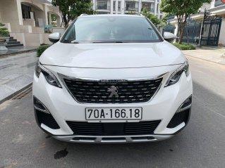 Bán xe Peugeot 5008 2018 màu trắng, xe đẹp, biển Vip, trả góp chỉ 367 triệu