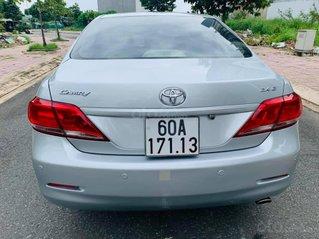 Cần bán xe Camry SX 2011 màu bạc, giá 545tr