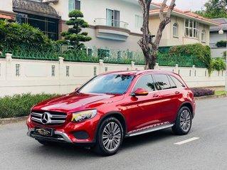 Cần bán Mercedes-Benz GLC250 màu đỏ SX 2018, biển thành phố