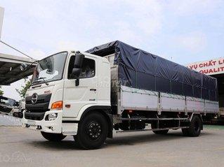 Xe tải Hino 8 tấn mui bạt nhôm 8.9m 2018
