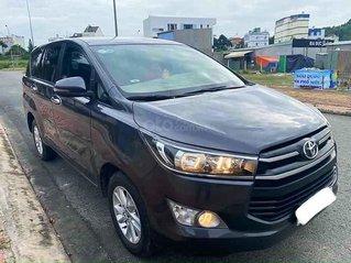 Bán xe Toyota Innova năm sản xuất 2018, màu xám, số tự động