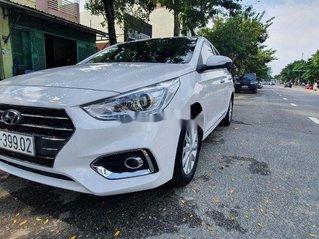 Xe Hyundai Accent đời 2018, màu trắng số sàn, bản đủ