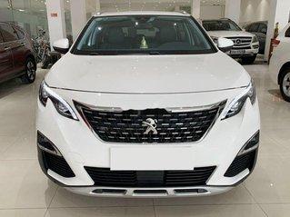 Bán ô tô Peugeot 5008 2018, màu trắng