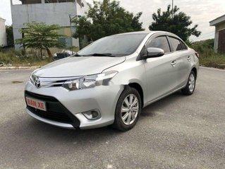 Cần bán Toyota Vios 2014, màu bạc