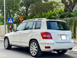 Cần bán gấp Mercedes GLK300 4Matic sản xuất 2010, màu trắng, 615tr