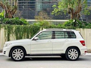 Cần bán lại xe Mercedes GLK300 4Matic năm sản xuất 2010, màu trắng