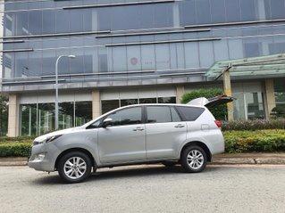 Ưu đãi giảm giá sâu với chiếc Toyota Innova số tự động màu bạc