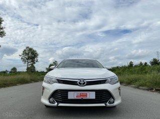 Bán nhanh Toyota Camry 2.0E số tự động xe mới long lanh, đẹp