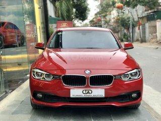 BMW 320i sản xuất năm 2016,màu đỏ