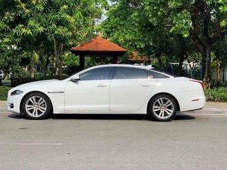 Bán ô tô Jaguar XJL sản xuất năm 2014, màu trắng, nhập khẩu nguyên chiếc còn mới