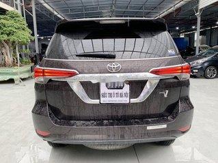 Bán Toyota Fortuner năm sản xuất 2018, màu nâu, xe nhập